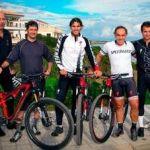 Rafa Nadal entrena en bicicleta