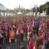Recogida dorsal-chip, camiseta y bolsa de la corredora en Barcelona