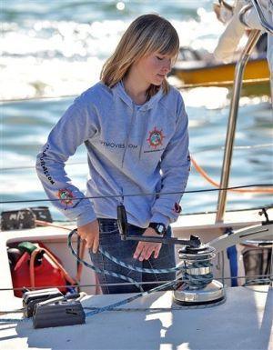 Abby Sunderland pierde el contacto en el Océano Indico