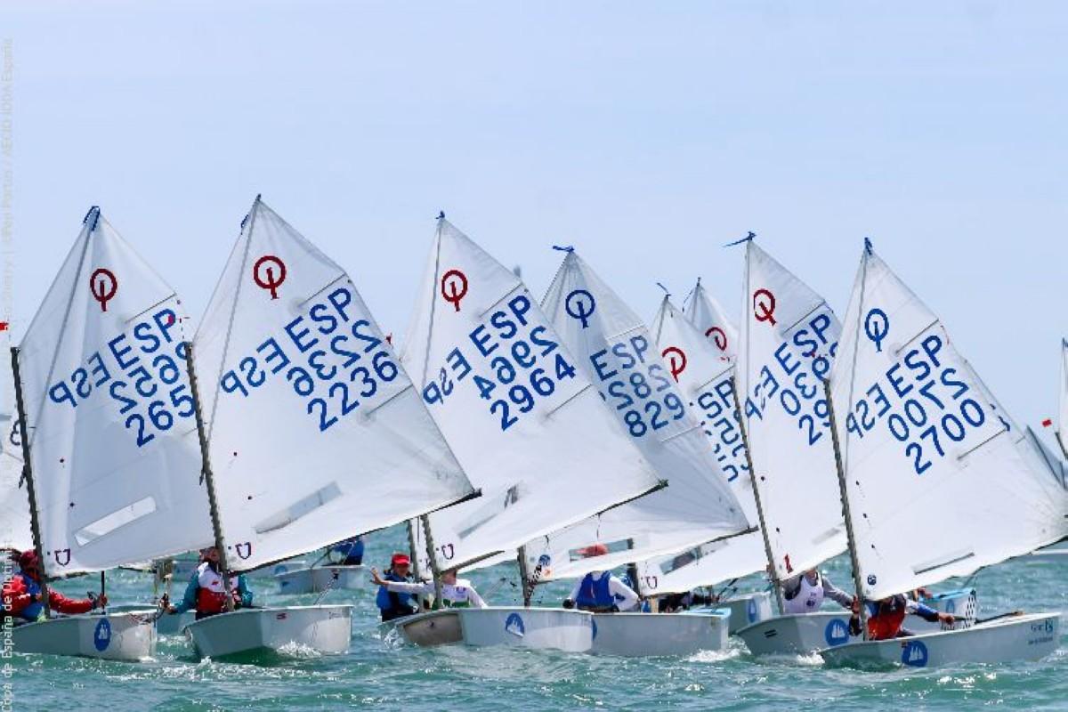 AECIO sigue trabajando para disputar las regatas nacionales en 2020