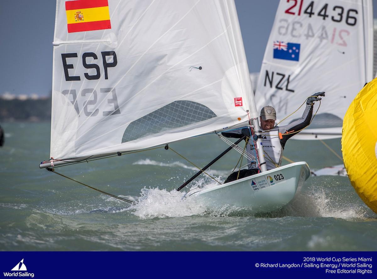 Blanco mantiene el liderato en Laser Standard en Tarragona