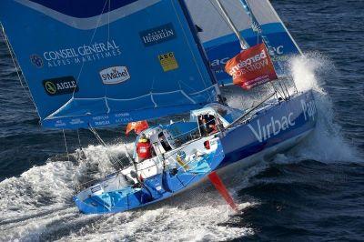 El Virbac-Paprec 3 el más rápido de la noche y a 77 millas del Mafre