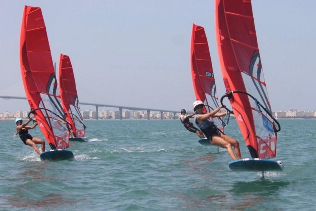 Cádiz acoge la concentración nacional de la nueva clase olímpica
