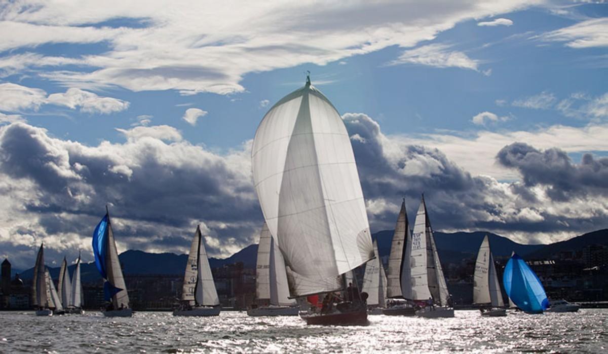 Primera jornada del III Trofeo Social en la clase crucero y J80