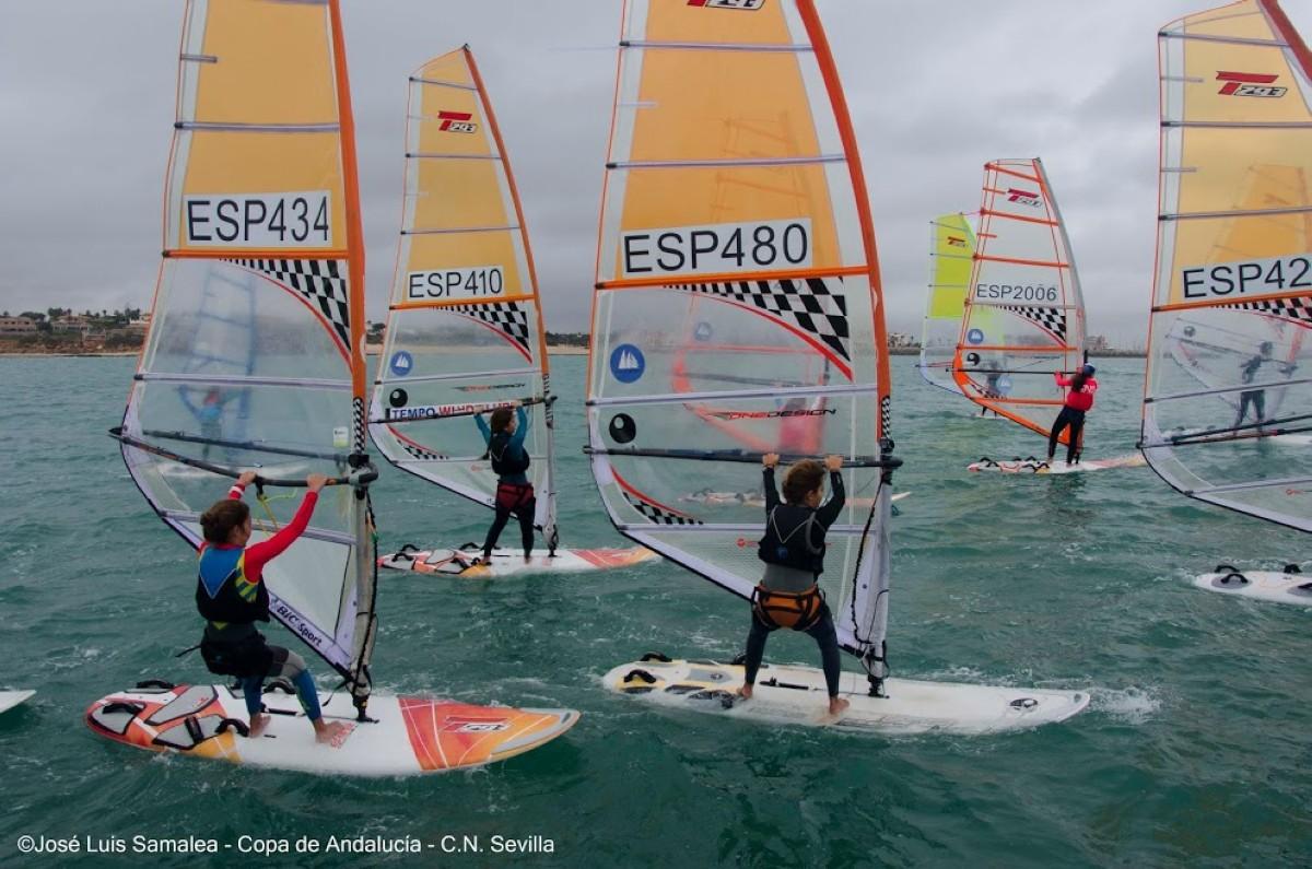 Concluye Copa de Andalucía de Windsurf, XXV Trofeo CN Sevilla
