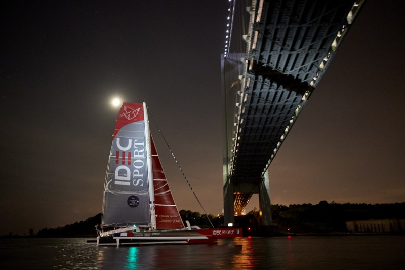 El Idec Sport finaliza segundo en la regata The Bridge