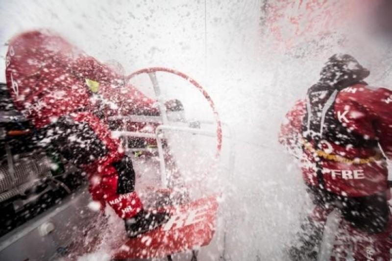 El MAPFRE lidera la Volvo Ocean Race