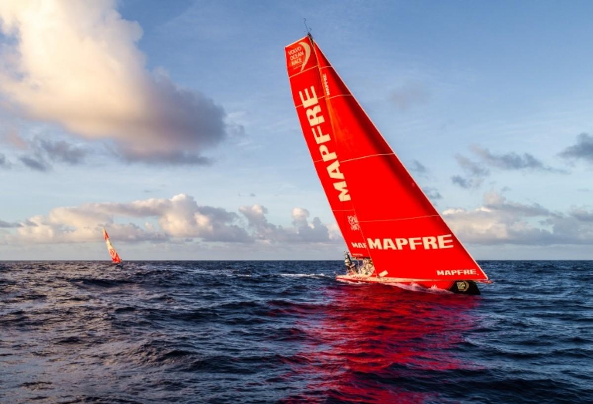 El MAPFRE recupera 100 millas en la Volvo Ocean Race