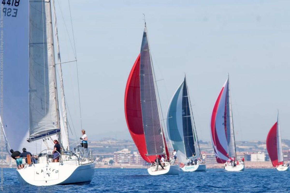 El Swan 42 Pez de Abril gana el Trofeo Estrella de Levante