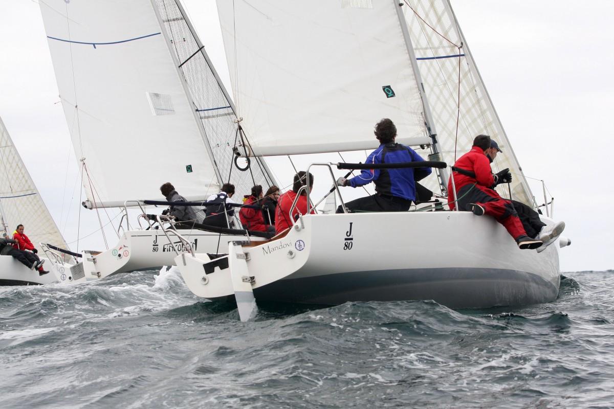 El V Trofeo El Correo de vela pudo arrancar solo la clase J 80