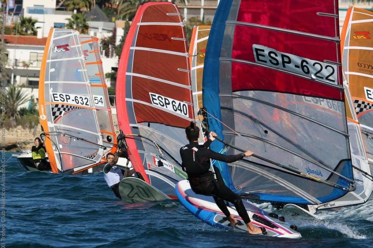 El XI Trofeo Club Náutico Alicante Costa Blanca