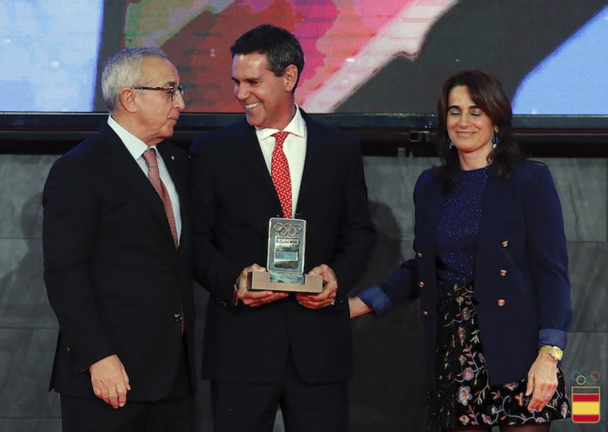 Fernando Echávarri recibe el Premio a los Valores Olímpicos