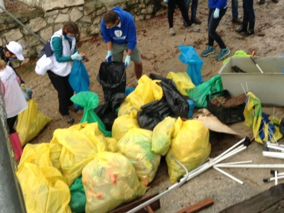 Jornada de limpieza del embalse de San Juan