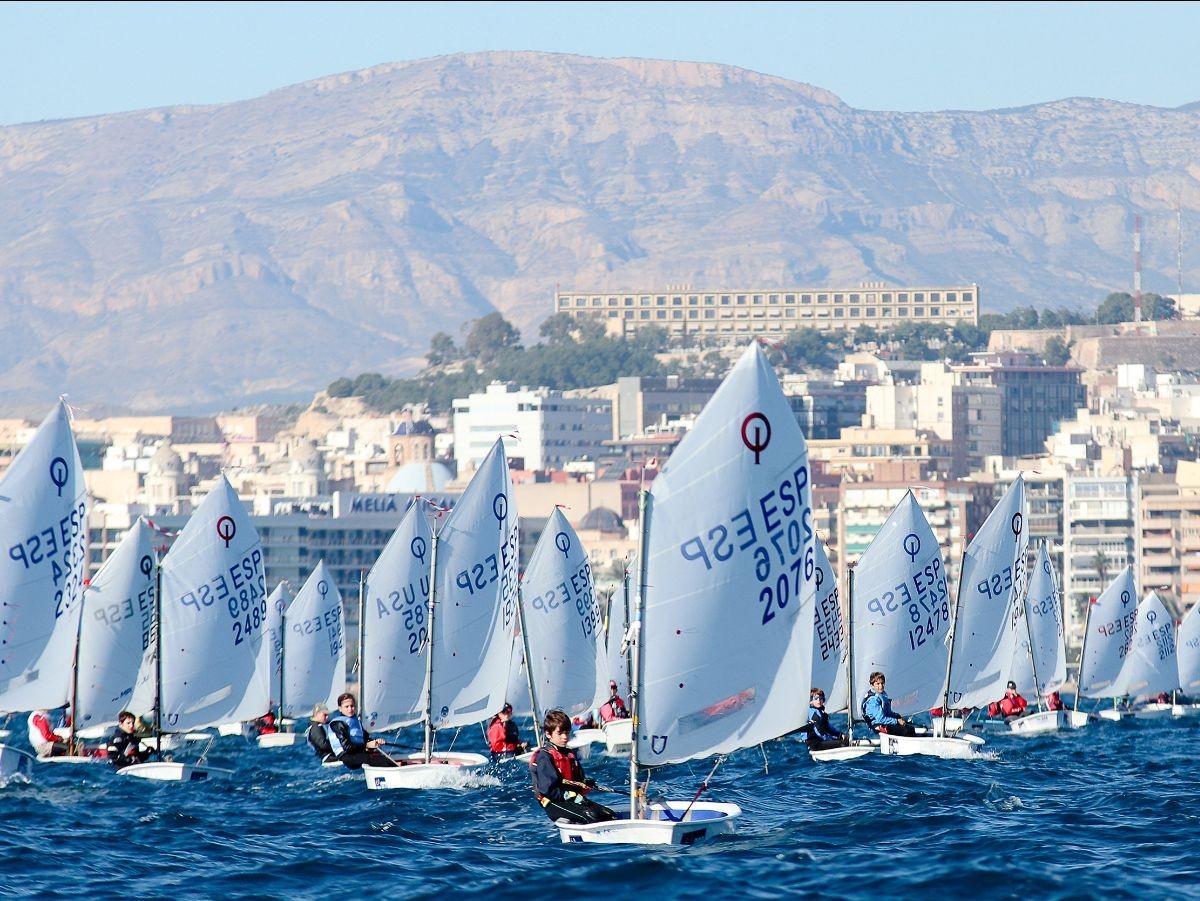 La 52ª Semana Náutica de Alicante, en su segunda entrega