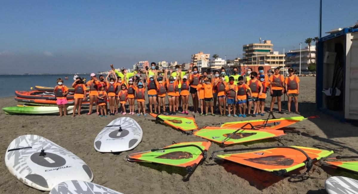 La Escuela de Vela del Club Náutico de Santa Pola se reinicia