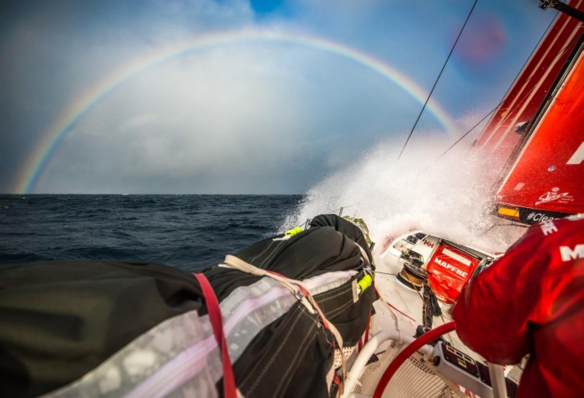 La Volvo Ocean Race ya apunta hacia Cabo de Hornos