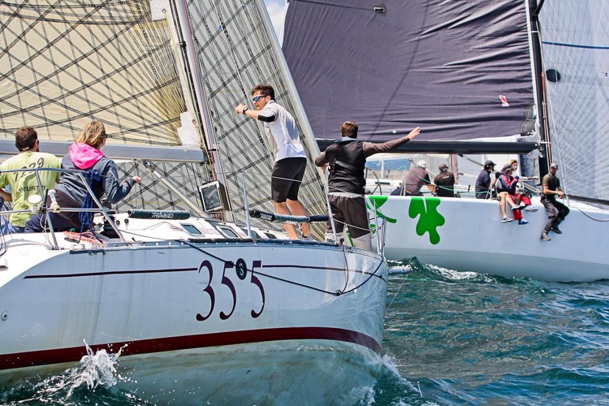 La XIV Regata SURNE-54º Trofeo Eskarra con 30 barcos