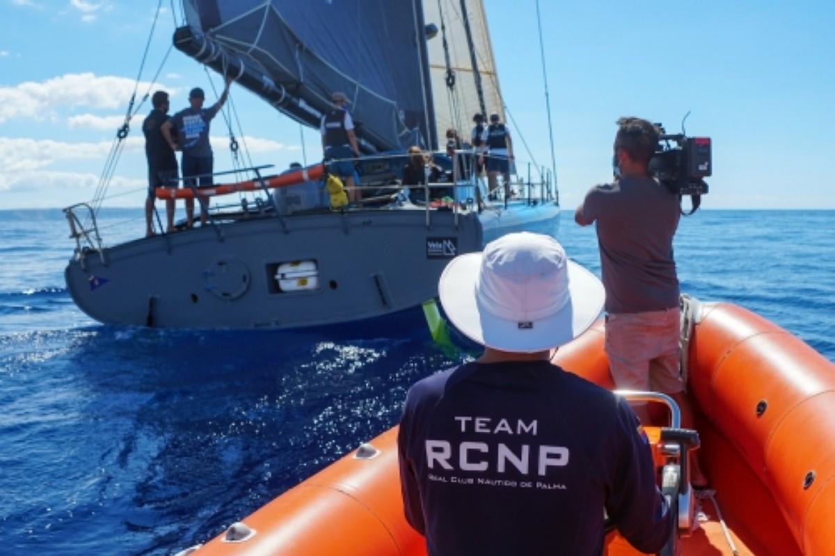 Lección magistral de navegación oceánica de Didac Costa