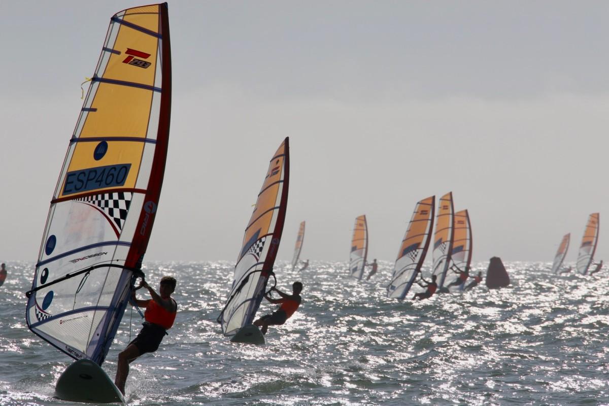 Se estrena la I Liga de Windsurf de Puerto Sherry