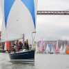 80 barcos pasaron por debajo del Puente Colgante