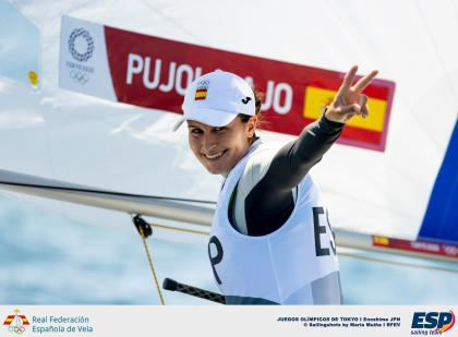 Cristina Pujol gana la regata inaugural de los JJOO de Tokio