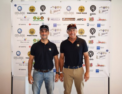 Dos malagueños cruzarán el Mar de Alborán sobre una tabla de windsurf