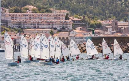 El Trofeo Baitra cita en Baiona  a la vela infantil gallega