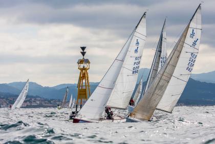 El Trofeo MRW inaugura la vuelta a la competición en Baiona