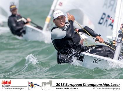 Joaquín Blanco mantiene el ritmo en el Europeo de Laser