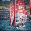 Marina Alabau y Blanca Manchon suben con el viento en aguas cantabras