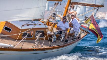 Regata para barcos clásicos y de época en la Bahía de Palma