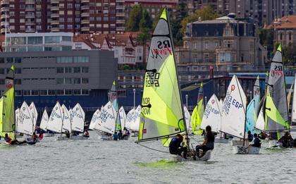 Un Trofeo Escuela de Vela José Luis de Ugarte como los de antes