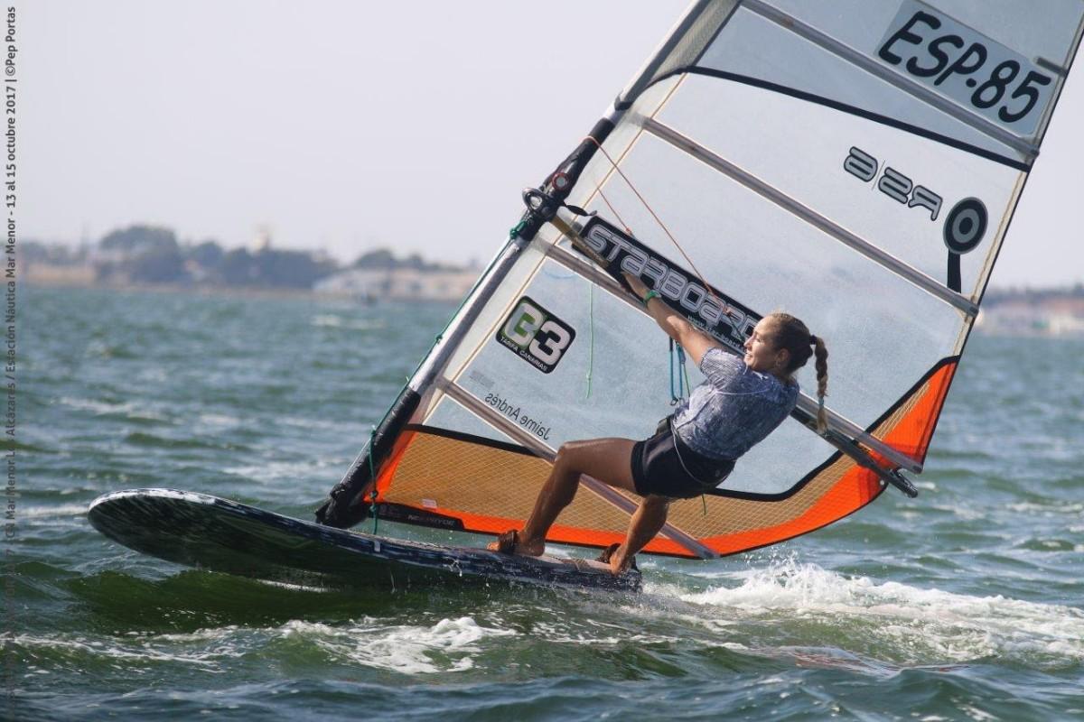 Un descafeinado Campeonato del Mundo de Fórmula Windsurfing