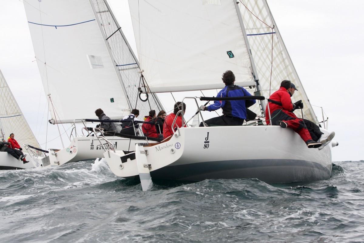 XII Copa España J 80 en aguas vizcaínas del Abra