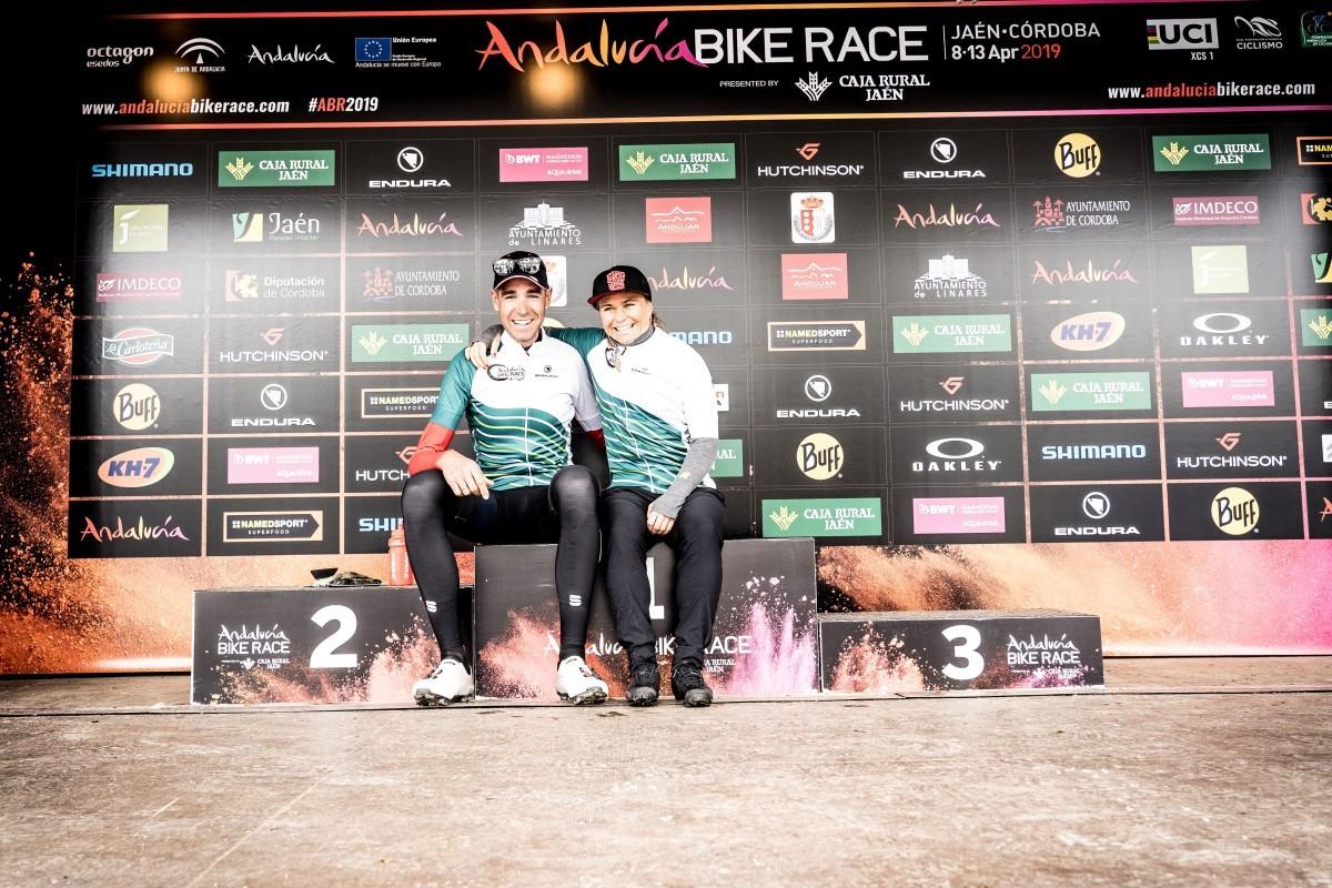 David Valero y Hildegunn Hovdenak lideran la Andalucía Bike Race