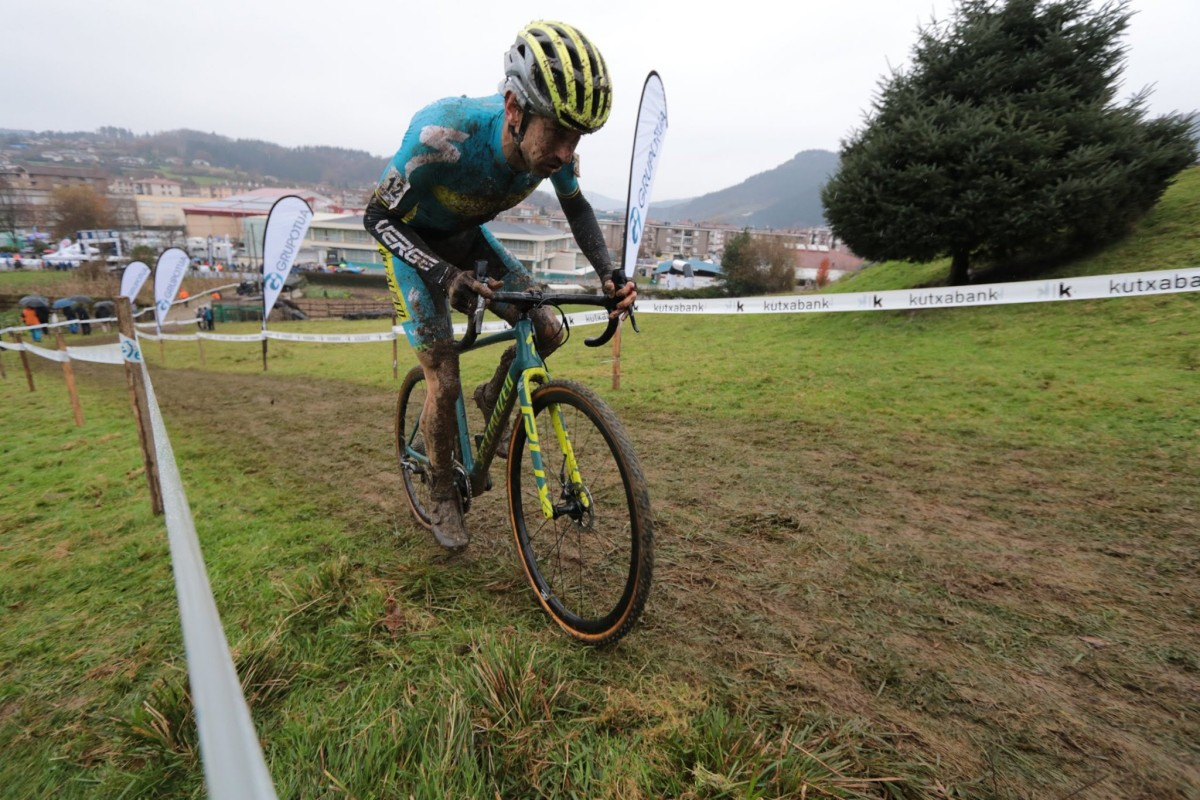 Aitor Hernández y Olatz Odriozola ganadores del Ciclocross de Oñati