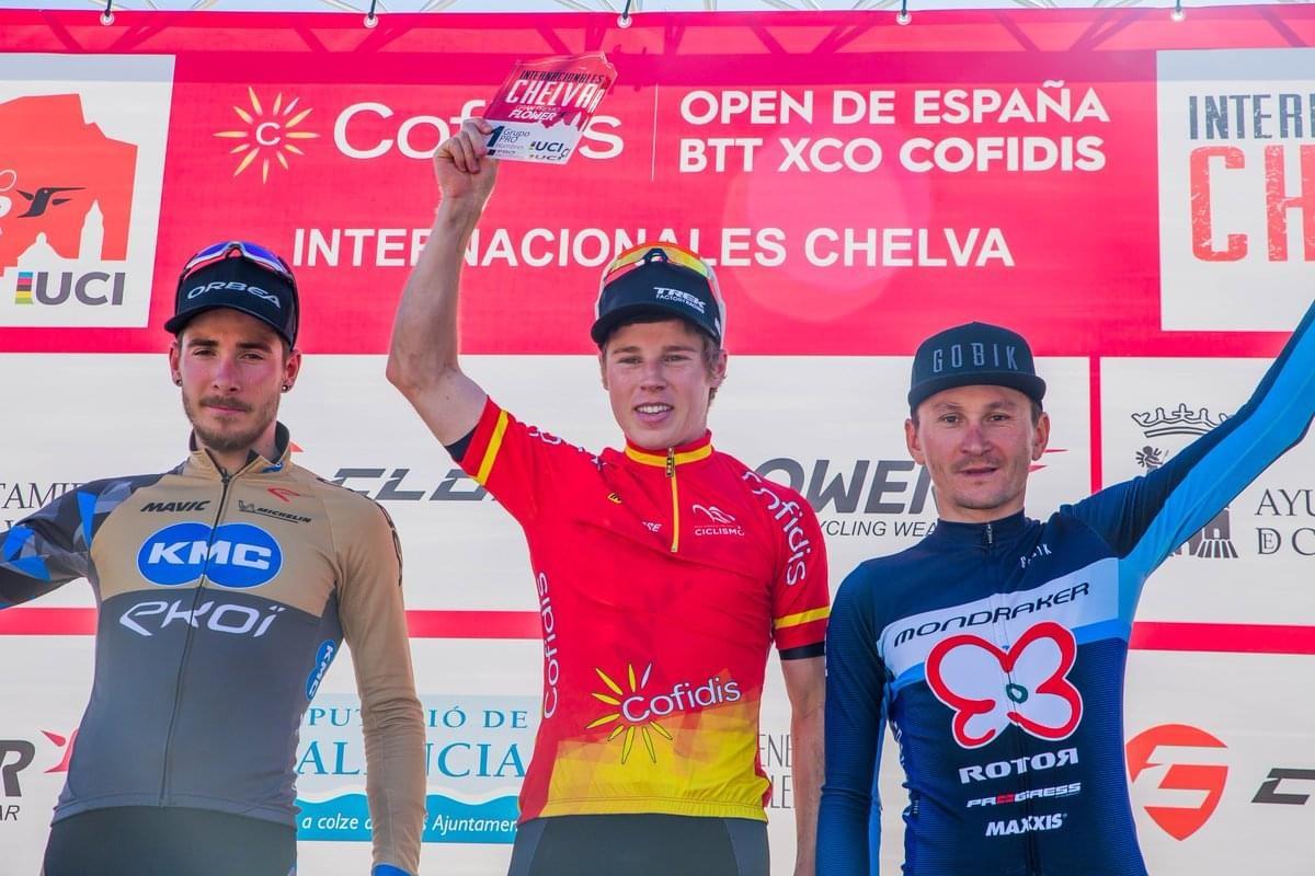 Anton Cooper y Annie Last líderes del Open de España XCO 2019