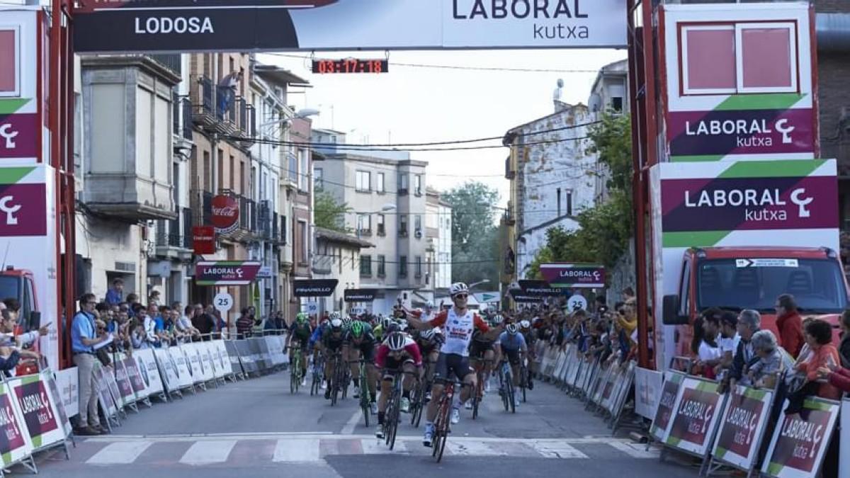 Arne Marit gana y es el primer líder de la Vuelta a Navarra 2019