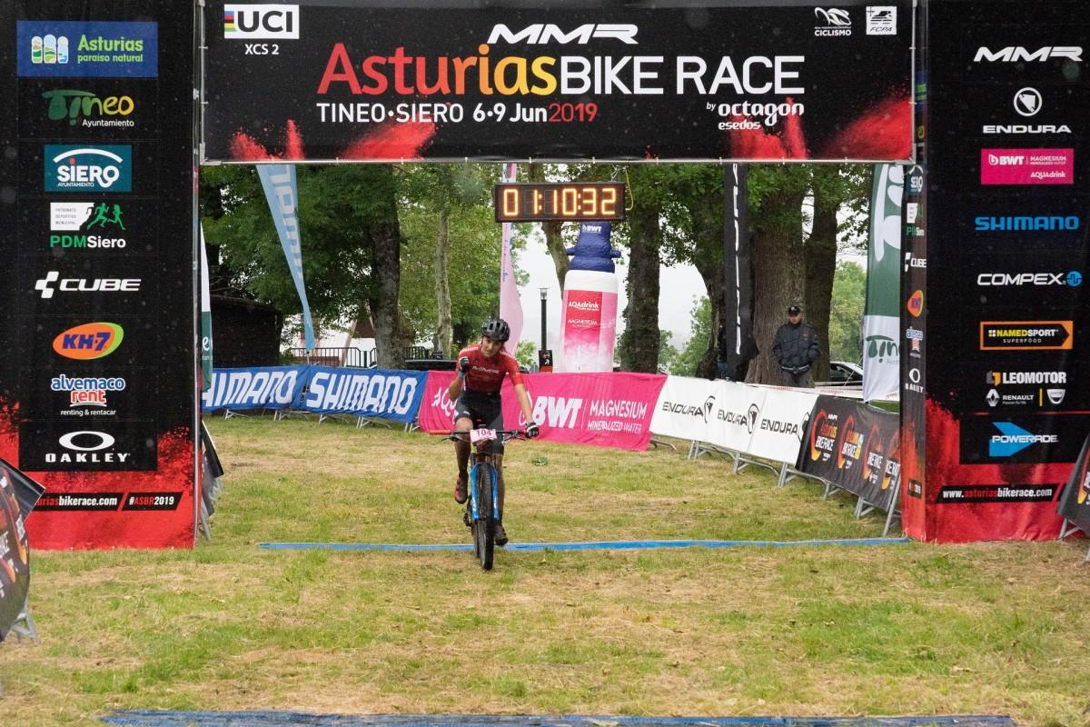 Asturias Bike Race: Champion y Fischer se adjudican la Flash Stage de Tineo