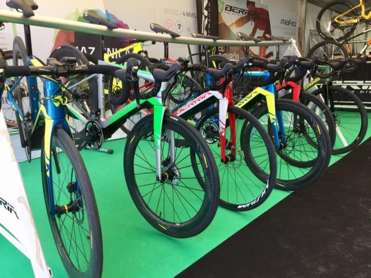 Berria se presenta en Bilbao como la abanderada de las e-bikes de carretera