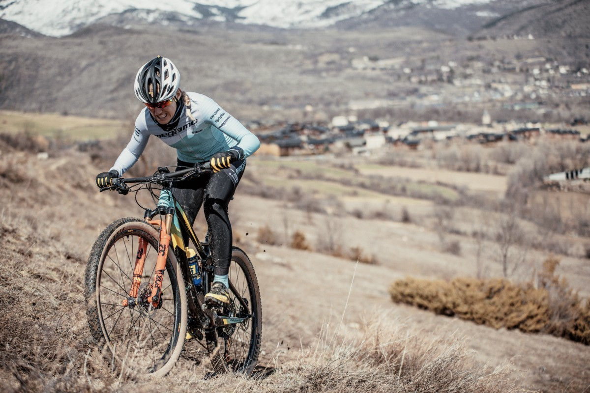 Claudia Galicia arranca la temporada de mtb con podio en La Rioja Bike Race