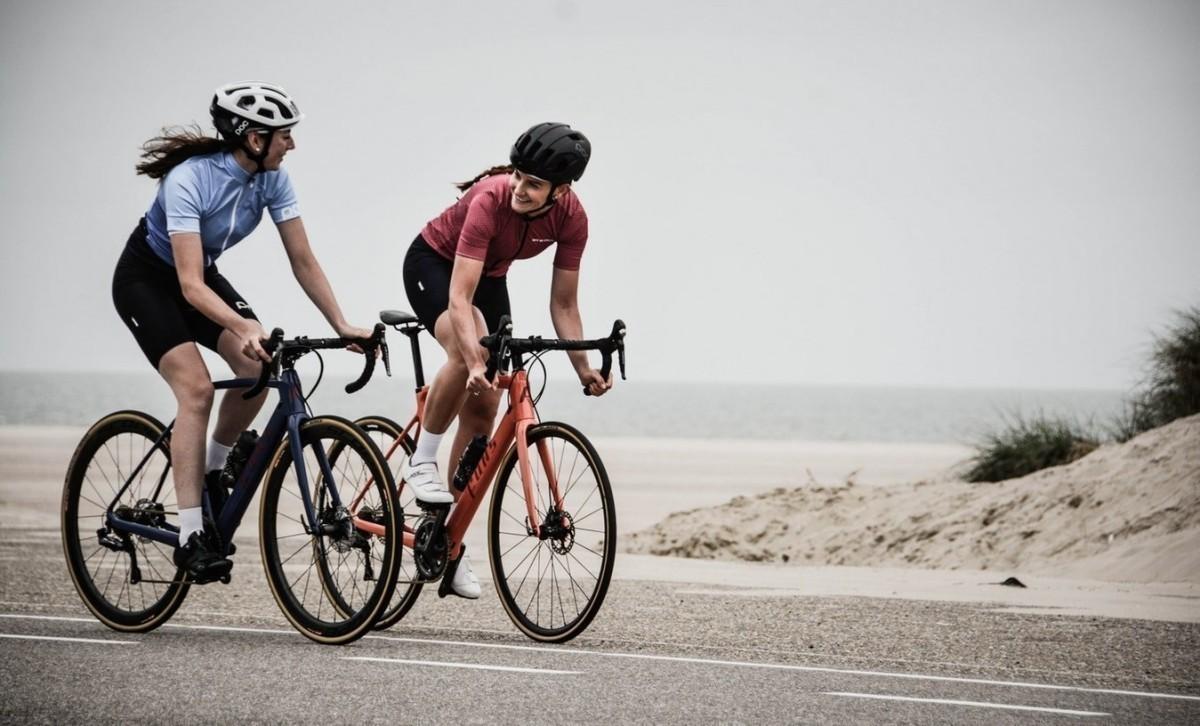 Consejos para reducir el entumecimiento de las manos del ciclista