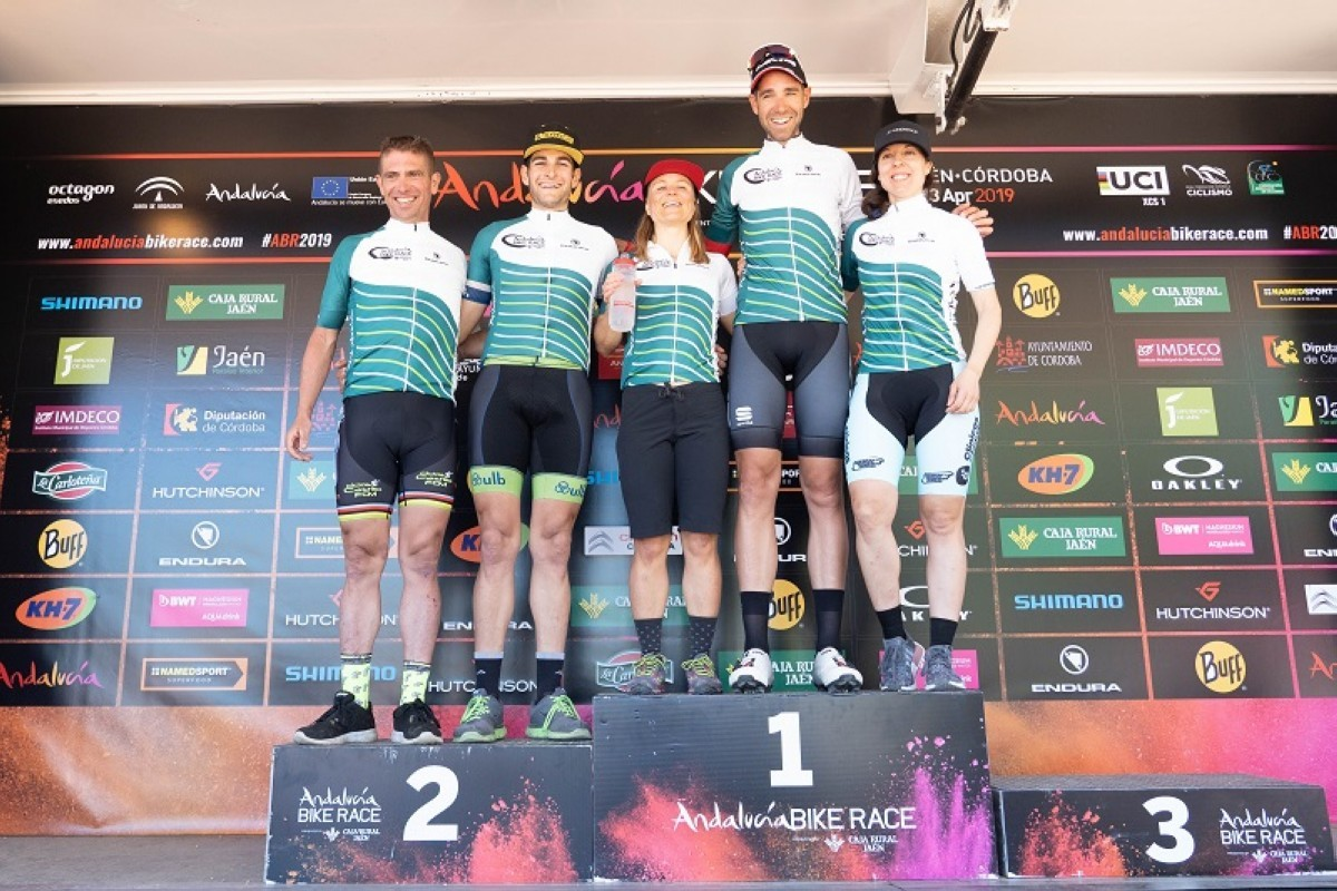 David Valero y Hildegun Hovdenak ganan la novena edición de Andalucía Bike Race