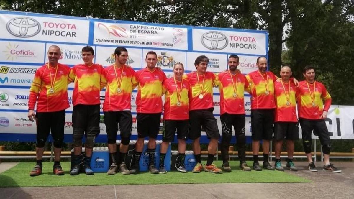 Desiree Duarte y Antonio Ferreiro proclaman campeones de España de Enduro