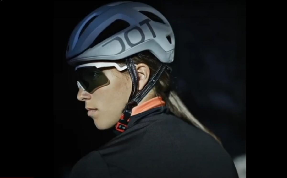 Dotout Coupè Pro, un casco compacto y aerodinámico