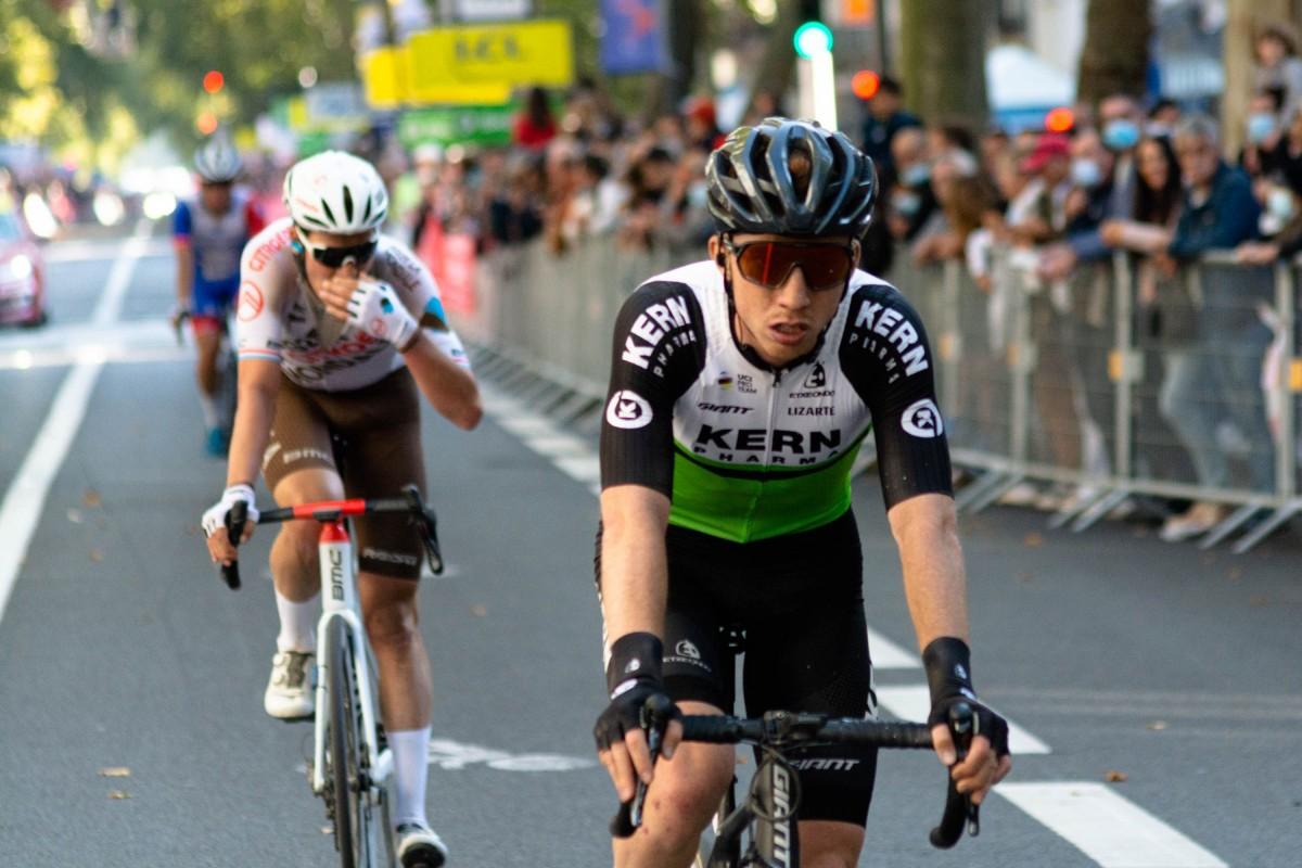 El Equipo Kern Pharma cerró la temporada 2021 en la Paris - Tours
