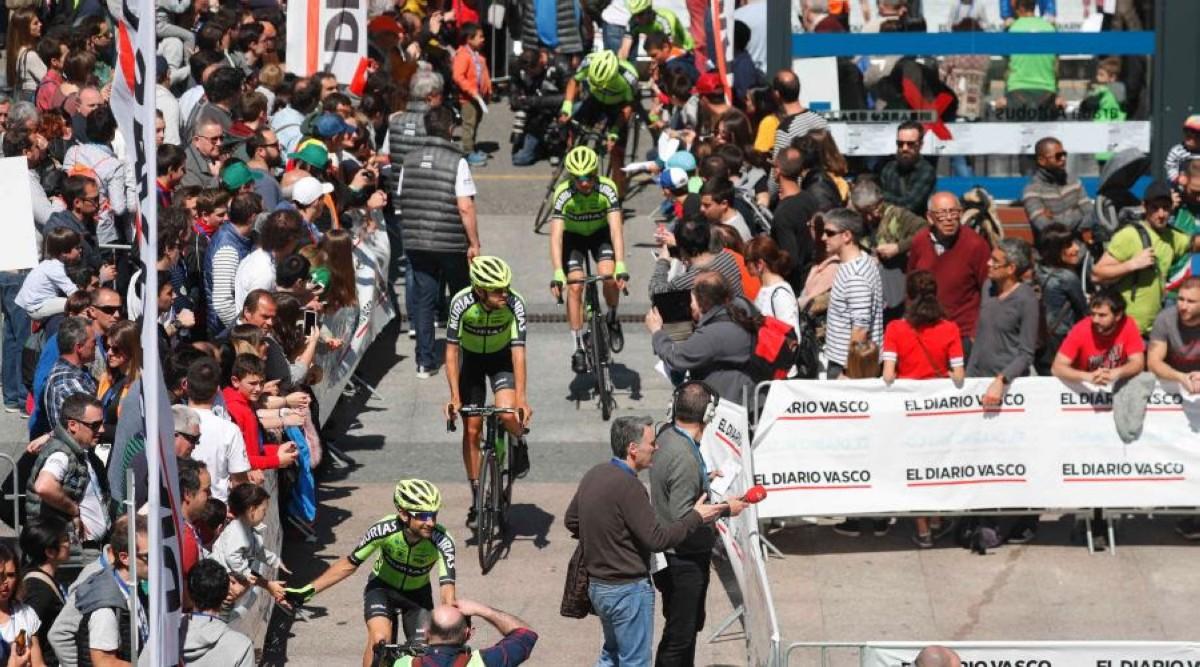 El Euskadi-Murias rumbo a la Vuelta a Asturias