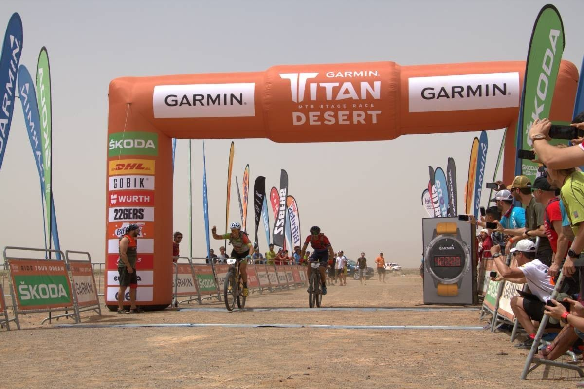 El francés Sylvain Chavanel supera a Zubero y conquista la etapa reina en la Titan Desert 2019