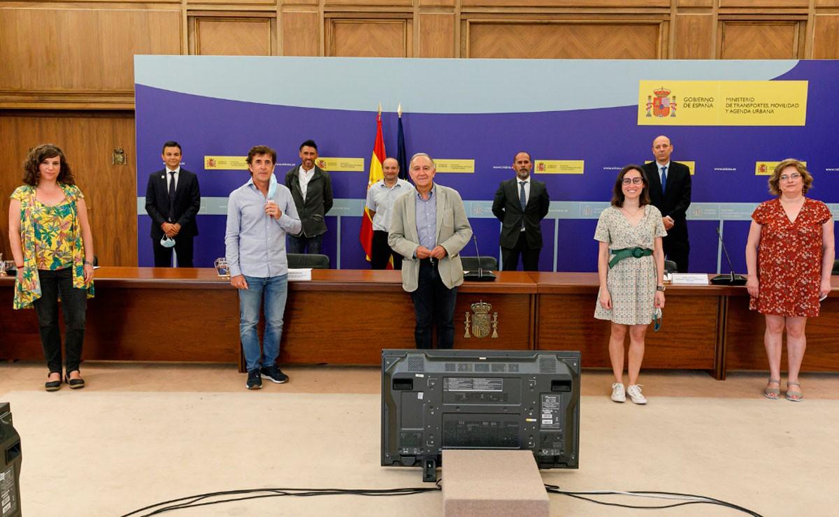 El ministro Ábalos apuesta por una Estrategia Estatal de la bicicleta