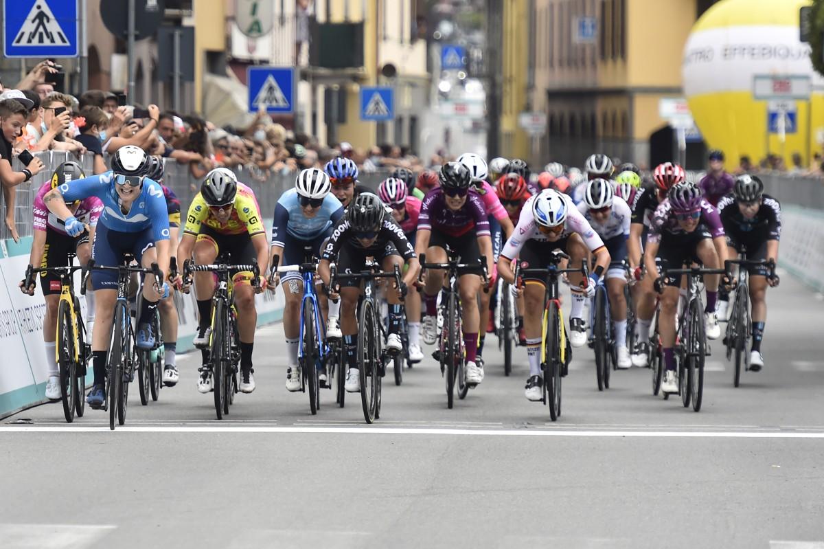 Emma Norsgaard consigue el triunfo de etapa en el Giro Donne